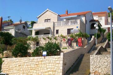 Obiekt Postira (Brač) - Zakwaterowanie 765 - Apartamenty ze żwirową plażą.