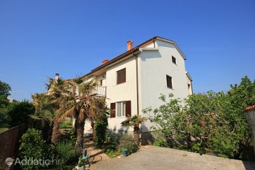 Property Pješčana Uvala (Pula) - Accommodation 7652 - Apartments with pebble beach.