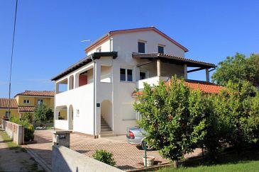 Obiekt Valbandon (Fažana) - Zakwaterowanie 7654 - Apartamenty ze żwirową plażą.