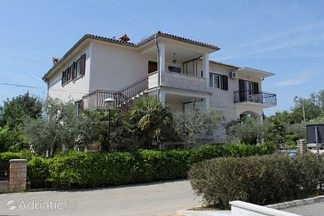 Property Umag (Umag) - Accommodation 7663 - Apartments with sandy beach.