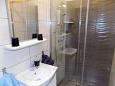 Mošćenice, Bathroom u smještaju tipa studio-apartment, dopusteni kucni ljubimci i WIFI.