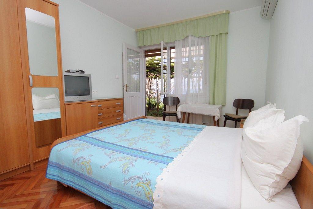 Ubytovanie s parkoviskom v meste Medveja - 7775