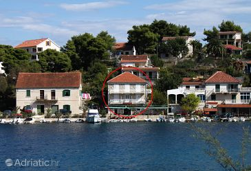 Property Stomorska (Šolta) - Accommodation 781 - Apartments near sea with pebble beach.