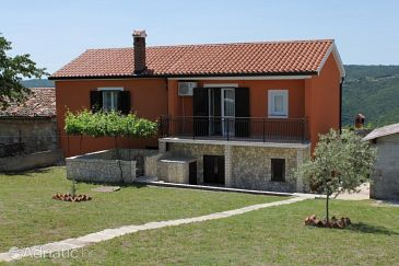 Property Sveti Martin (Središnja Istra) - Accommodation 7849 - Vacation Rentals with pebble beach.