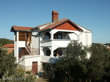 Property Jezera (Murter) - Accommodation 798 - Apartments near sea.