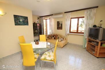 Nerezine, Dining room u smještaju tipa apartment, dostupna klima, dopusteni kucni ljubimci i WIFI.
