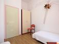 Bedroom 2 - Apartment A-8056-a - Apartments Mali Lošinj (Lošinj) - 8056
