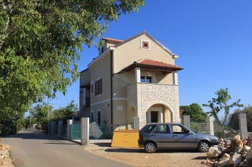 Property Punta križa (Cres) - Accommodation 8082 - Apartments with rocky beach.