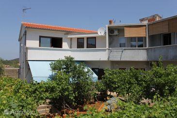 Property Božava (Dugi otok) - Accommodation 8099 - Apartments near sea.