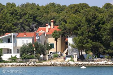Property Verunić (Dugi otok) - Accommodation 8103 - Apartments near sea.