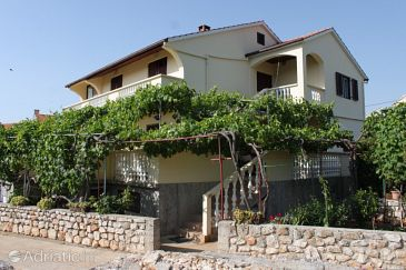 Property Sali (Dugi otok) - Accommodation 8136 - Apartments with pebble beach.