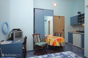 Studio flat AS-8160-a - Apartments Brbinj (Dugi otok) - 8160