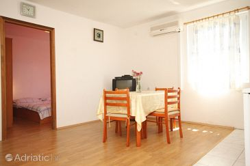 Apartment A-8205-c - Apartments Banj (Pašman) - 8205