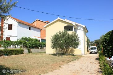 Property Kraj (Pašman) - Accommodation 8213 - Apartments with sandy beach.