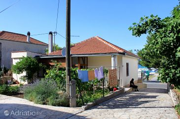 Property Tkon (Pašman) - Accommodation 822 - Apartments near sea.