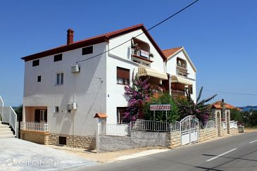 Property Kukljica (Ugljan) - Accommodation 8238 - Apartments in Croatia.