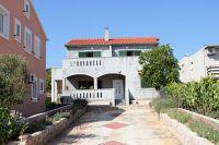Banj Apartments 8242