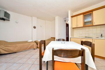 Apartament A-8279-b - Apartamenty Kukljica (Ugljan) - 8279