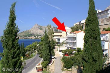 Property Omiš (Omiš) - Accommodation 8334 - Apartments near sea with pebble beach.