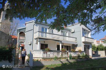 Property Kukljica (Ugljan) - Accommodation 8400 - Apartments near sea with pebble beach.