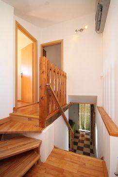 Accommodatie dalmatie pasman donje more 8413 k 8413 kroati - Gang huis ...