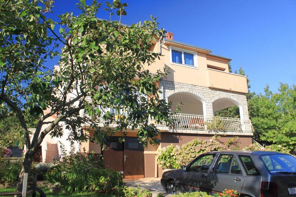 Apartmány s parkoviskom v meste Ždrelac - 8424