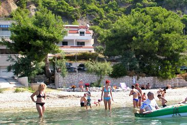 Podstrana, Split, Property 8442 - Apartments blizu mora with pebble beach.