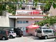 Parking lot Podstrana (Split) - Accommodation 8442 - Apartments near sea with pebble beach.