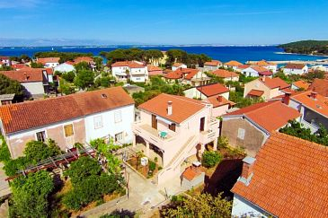 Property Ugljan (Ugljan) - Accommodation 8469 - Apartments in Croatia.