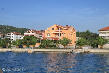 Property Kukljica (Ugljan) - Accommodation 8478 - Apartments near sea with pebble beach.