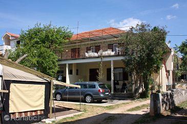 Turanj, Biograd, Property 848 - Apartments blizu mora with pebble beach.