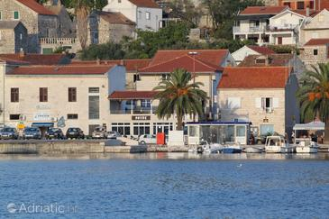 Property Vis (Vis) - Accommodation 8518 - Apartments near sea with pebble beach.