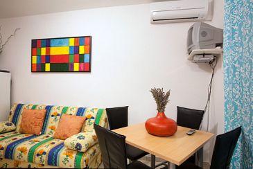 Poljana, Dining room u smještaju tipa apartment, dostupna klima i WIFI.