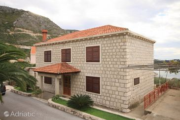 Property Plat (Dubrovnik) - Accommodation 8612 - Apartments with pebble beach.