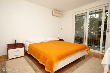 Room S-8635-a - Apartments and Rooms Podstrana (Split) - 8635