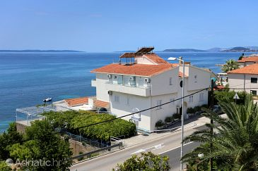Property Podstrana (Split) - Accommodation 8635 - Apartments and Rooms near sea with pebble beach.