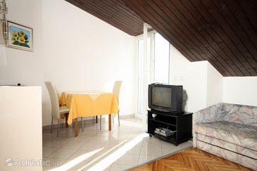 Podstrana, Dining room u smještaju tipa studio-apartment, dopusteni kucni ljubimci.