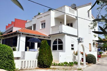 Property Podstrana (Split) - Accommodation 8639 - Apartments and Rooms near sea with pebble beach.