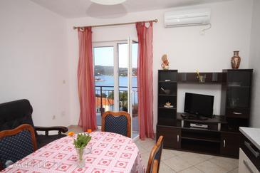 Apartment A-8647-a - Apartments Nečujam (Šolta) - 8647