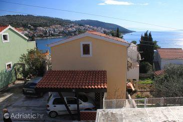 Property Mavarštica (Čiovo) - Accommodation 8657 - Apartments near sea with pebble beach.