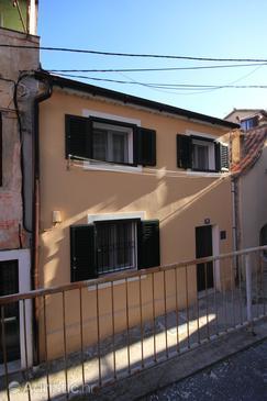 Property Split (Split) - Accommodation 8669 - Apartments with sandy beach.
