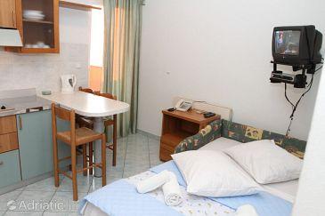 Apartment A-8677-b - Apartments Podstrana (Split) - 8677