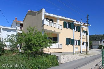 Property Poljica (Trogir) - Accommodation 8682 - Apartments near sea with pebble beach.