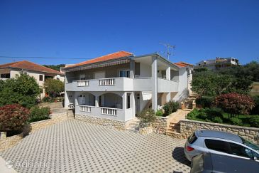 Property Trogir (Trogir) - Accommodation 8683 - Apartments near sea with pebble beach.