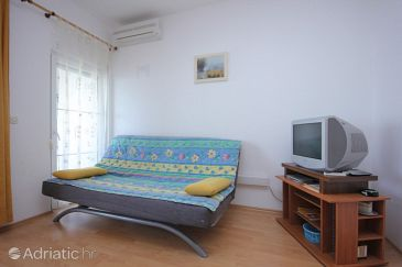 Apartment A-8740-a - Apartments Drašnice (Makarska) - 8740