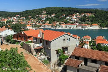 Property Jelsa (Hvar) - Accommodation 8746 - Apartments with pebble beach.