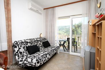 Apartment A-8777-b - Apartments Jelsa (Hvar) - 8777