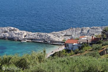Uvala Zaraće (Dubovica), Hvar, Property 8781 - Apartments and Rooms blizu mora with pebble beach.