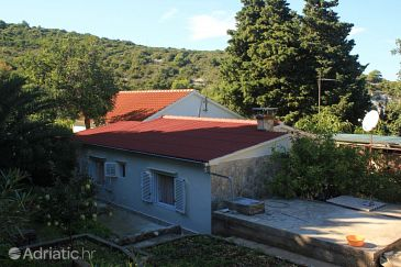 Property Uvala Rogačić (Vis) - Accommodation 8886 - Vacation Rentals near sea with pebble beach.