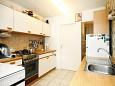 Kitchen - Apartment A-8899-a - Apartments Brgujac (Vis) - 8899